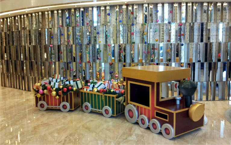 tailormade giant decoration train